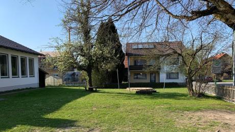 Der Garten der alten Schule in Greifenberg soll über den Sommer ein Treffpunkt für die Einwohner von Greifenberg werden.