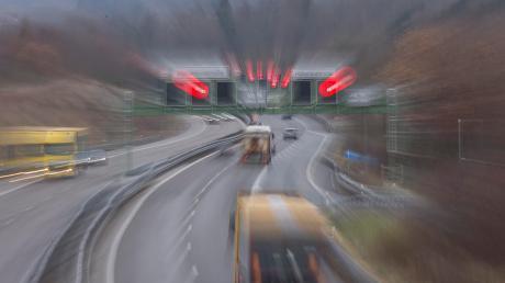Im Tunnel Eching stehen an der A96 umfangreiche Kontrollarbeiten statt. Auch der Tunnel Etterschlag ist betroffen.