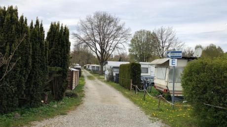 Die Wege auf dem Uttinger Campingplatz sind teilweise zu eng für große Wohnmobile. Das soll mit der Neuplanung geändert werden.