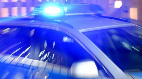 Nach einer Unfallflucht in Vöhringen sucht die Polizei Zeugen.
