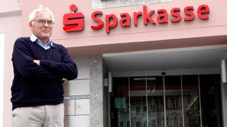 Vor rund drei Jahren gehörte Dr. Rainer Gottwald zu den Köpfen hinter dem erfolgreichen Widerstand gegen eine Fusion der Sparkassen Landsberg, Fürstenfeldbruck und Dachau. Nun wird er erneut aktiv.