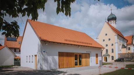 Erstmals hat die Gemeinde Eresing ein richtiges Rathaus.