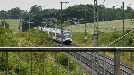 Wenn Tausende neue Jobs durch die Ansiedlung von Intel auf dem Fliegerhorst Penzing entstehen, nimmt auch der Verkehr zu. Auf Höhe Pullach könnte eine Zubringerstraße entstehen. Auch der Schienenverkehr dürfte an Bedeutung gewinnen.