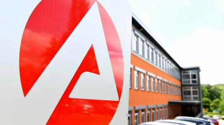 In Peiting und Peißenberg sind Mitarbeiter von der Schließung der Agfa-Standorte betroffen.