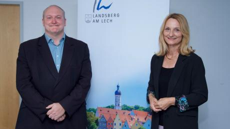 Oberbürgermeisterin Doris Baumgartl (UBV) stellte den neuen Stadtheimatpfleger Dr. Stefan Paulus aus Landsberg offiziell vor.