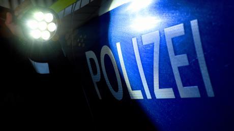 Die Polizei Landsberg hat den gesuchten Fahrer eines Kipplasters ermittelt, der in einen tödlichen Unfall auf der B17 bei Kinsau verwickelt war.