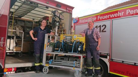 Theresa Bachmeir ist seit 15 Jahren bei der Feuerwehr Penzing. Bei ihrem Vater Bernhard werden es heuer 40 Jahre. Auch der Bruder, die Schwester und die Mutter der Jugendleiterin engagieren sich.