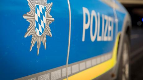 Die Polizei Donauwörth bittet um sachdienliche Hinweise zu mehreren Unfallfluchten.
