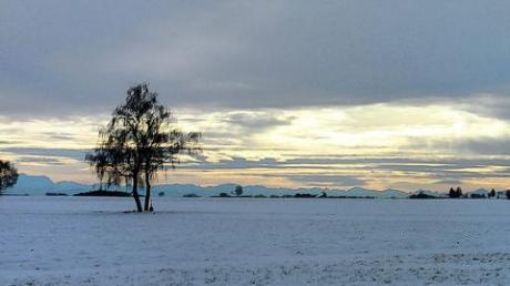 Eine wunderbare Sicht in die verschneite Landschaft hatten die Wanderer des TV Prittriching bei ihrer Dreikönigswanderung. Foto: TVP