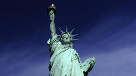 """Die Fackel, die """"Lady Liberty"""" in ihrer rechten Hand hält, könnten die Weltenlenker gut gebrauchen. Drei Tage lang redeten sie sich auf der Münchner Sicherheitskonferenz nicht nur die Köpfe heiß, sondern auch gewaltig aneinander vorbei. Ein Licht, das den Weg weist, haben sie dabei nicht gefunden."""