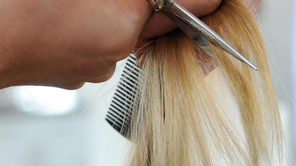 Mode Grünstich Durch Chlorwasser Farbkorrektur Für Blondes Haar