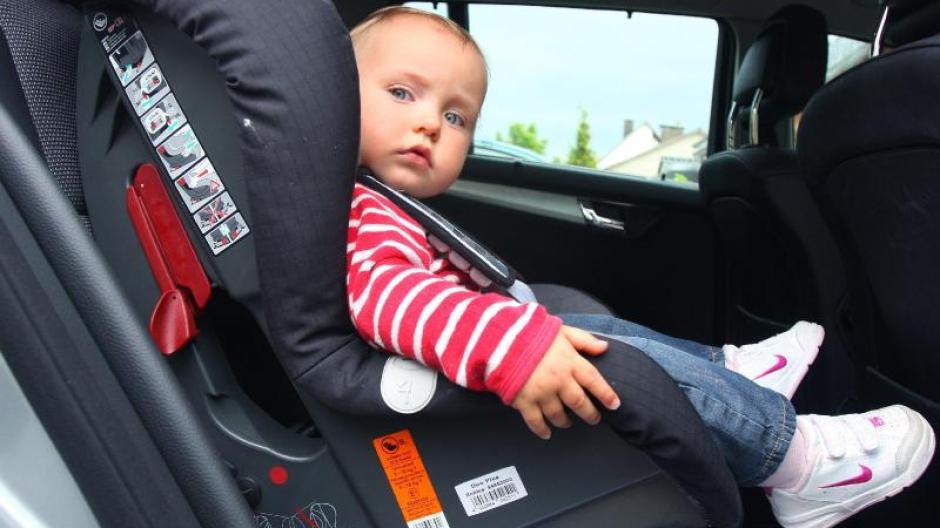 Autositze Für Kinder Im Test Adac Und Stiftung Warentest Sechs