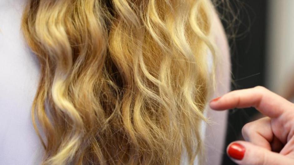 prozess in koblenz: missgeschick beim blondieren: kopfhaut der