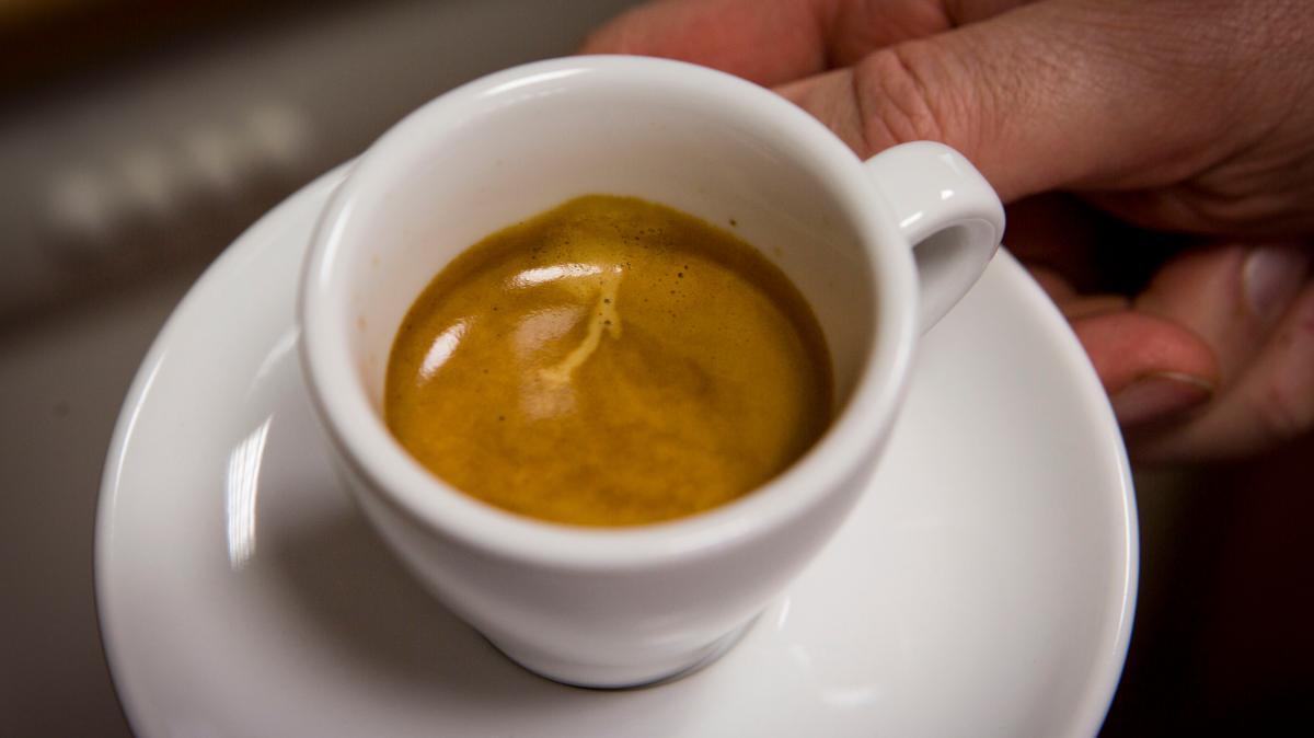 Kaffee und Co.: Wie Getränke mit Koffein das Risiko einer Fehlgeburt ...