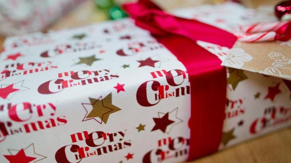 Eltern Geschenke Weihnachten.Weihnachten Steht Vor Der Tür Geschenke Für Die Enkel Mit Den
