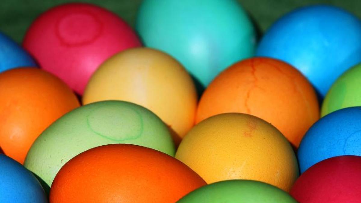 Ostern: Eier zu Ostern: Wie man am besten färbt - Geld & Leben ...