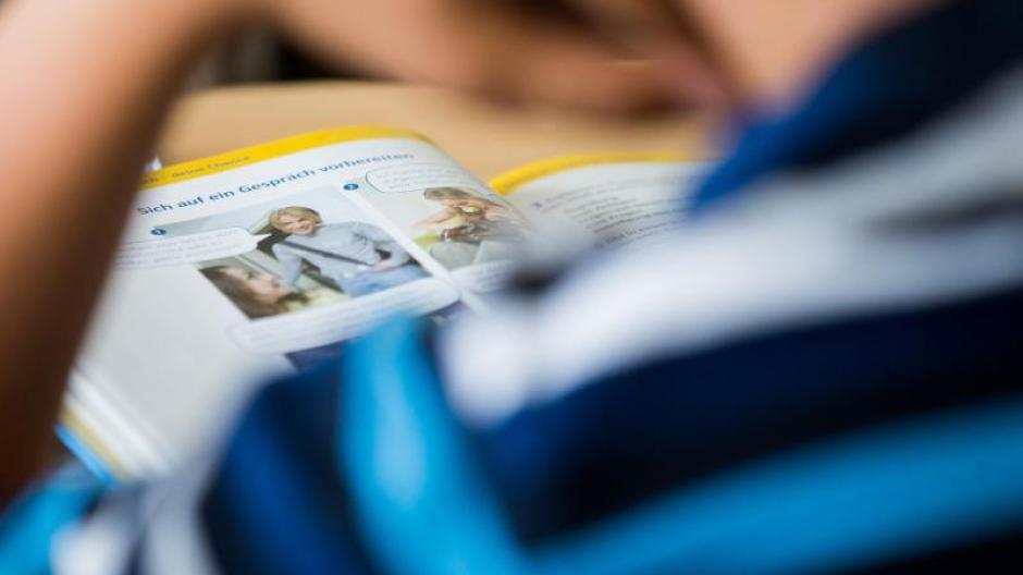 Die ersten Schulbücher, die sich mit der Corona-Pandemie auseinandersetzen, könnten schon in den nächsten zwei Jahren erscheinen.