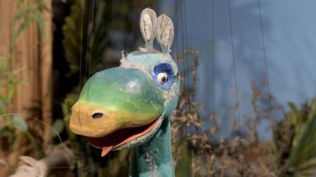 """Sein Alter merkt man Urmel kaum an: 1969 erschien der Film """"Urmel aus dem Eis"""". Heute können Fans die Marionette im Museum der Puppenkiste bestaunen."""
