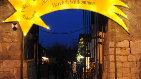 Der Stern weist den Weg zum Adventsmarkt in Nassenfels.