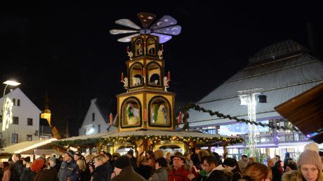 Neuburger_Weihnachtsmarkt_xh.jpg