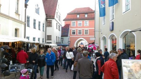 Mit rund 70 Marktkaufleuten sorgt die Große Kreisstadt für eine besondere Atmosphäre. Für die Besucher lohnt sich ein Marktbummel am verkaufsoffenen Sonntag.