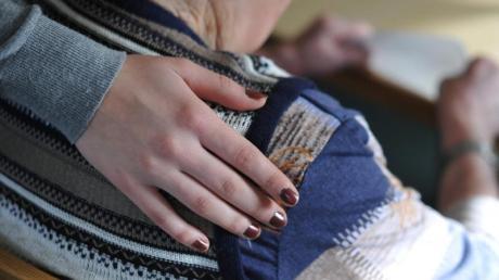 Der Sozialverband Deutschland (SoVD) stellt ein Gutachten zur pflegebedingten Armut von Frauen vor. Foto: Patrick Pleul/dpa-Zentralbild/dpa