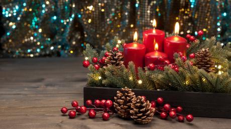 Heuer fällt der erste Advent auf den 1. Dezember. Zahlreiche Ideen für Adventskränze zeigen die Gärtnereien der Region bei ihren Adventsausstellungen.