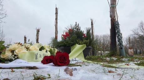 Seit der Einsegnung des Friedweinbergs hoch oben auf dem Bergfriedhof Ahrweiler vor eineinhalb Jahren seien hier 62 Verstorbene bestattet worden, darunter 14 ortsfremde Bürger. Foto: Thomas Frey/dpa