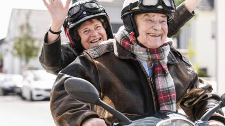 Senioren dürfen - und sollten - im Alter ruhig noch Gas geben, sagen Experten.