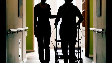 Heimbewohner müssen in ganz Deutschland mehr Geld für die Pflege ausgeben. Dies geht aus einer aktuellen Studie hervor.