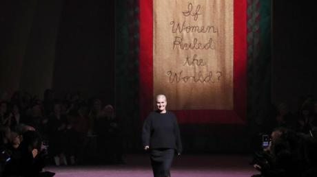 Maria Grazia Chiuri nach der Präsentation ihrer Haute-Couture-Kollektion für Dior.