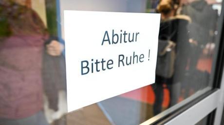 Laut den Kultusministern der Länder sollen Abiturprüfungen in ganz Deutschland stattfinden.