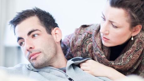 Partnern fällt es oft schwer, über Emotionen zu sprechen. Startet ein Gespräch dann aber mit den Worten «Ich habe das Gefühl, dass...», endet es meist in Vorwürfen und einer Abwehrhaltung des Gegenüber.