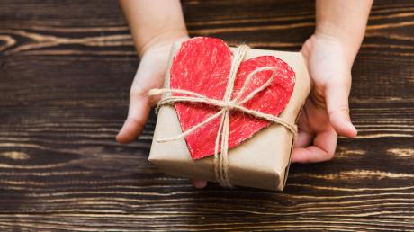 Bei den Gersthofer Einzelhändlern findet man, was das Herz begehrt - und bestimmt auch viele Weihnachtsgeschenke.