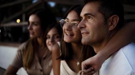 Eltern können damit punkten, wenn sie Anteil daran nehmen, was die Jugendlichen gerade interessiert.