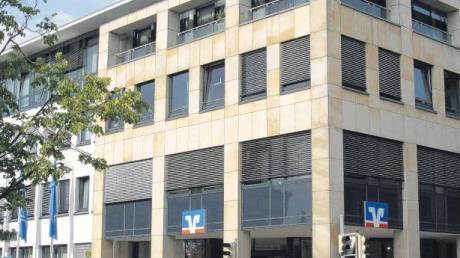 Die Raiffeisenbank Schwabmünchen in der Raiffeisenstraße 1.