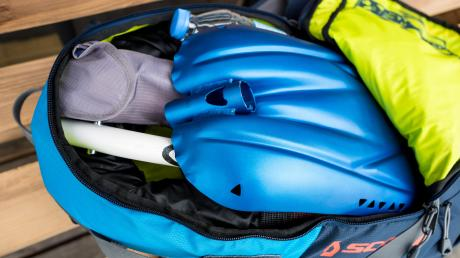 Ein Lawinen-Airbag kann Leben retten.