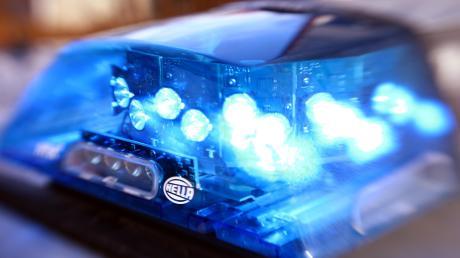 Eine 84-jährige Falschfahrerin verursachte am Samstagabend einen Unfall bei Dornstadt im Alb-Donau-Kreis. Dabei wurde auch ein Kind leicht verletzt.