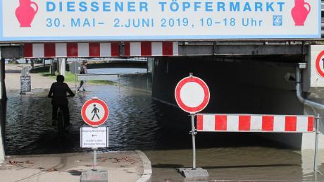 Die Fußgängerunterführung zu den Dießener Seeanlagen stand zuletzt unter Wasser.