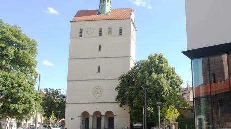 Die evangelische Kirche St. Johannes wird in den nächsten Jahren zum Zentrum der Diakonie. Für die Gemeinde wird es darin weiterhin Räume geben. Rechts ist das Diözesanarchiv zu sehen.