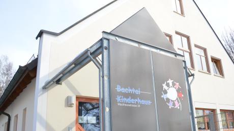 Das Bachtalkinderhaus in Bachhagel bekommt einen Anbau. Dort soll Platz für zwei Krippengruppen entstehen, von denen eine neu geschaffen wird. Außerdem bekommt die Einrichtung eine zusätzliche Kindergartengruppe.
