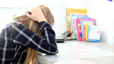 Ein Schulpsychologe soll für die Kinder an Bayerns Schulen da sein, wenn sie ein Problem nicht mehr loslässt. Doch die Zahl der Lehrer, die eine psychologische Zusatzausbildung haben, ist je nach Schulart stark schwankend.