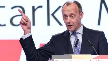 Nach einer Umfrage des Meinungsforschungsinstituts YouGov wünschen sich 13 Prozent, dass Friedrich Merz bei der nächsten Bundestagswahl antritt.