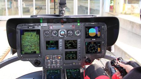 Das Cockpit von Christoph 32: rechts sitzt der Pilot, links der TC Hems.
