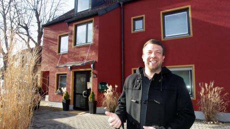 Vor 14 Jahren hat Alexander Gnann das Hotel Langemarck in der gleichnamigen Straße übernommen. Er freut sich, dass viele Stammgäste die familiäre Atmosphäre im Haus schätzen.