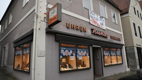 Ende Februar schließt Uhrmacher Michael Kunze sein Geschäft in der Professor-Bamann-Straße in Gundelfingen. Mittlerweile hat er einen Nachfolger gefunden.