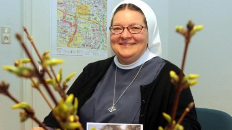 Auch bei einem Trauergespräch gestattet sich Schwester Veronika Häusler ein Lächeln.