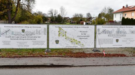 Auf dem Schmucker-Areal in Utting sollen 80 Mietwohnungen entstehen. Das Kommunalunternehmen der Gemeinde setzt das vom Freistaat geförderte Projekt um.