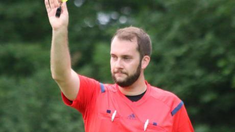 Tobias Heuberger ist mit Jonathan Schädle der einzige Schiri der Gruppe Nordschwaben, der in der Landesliga pfeift.