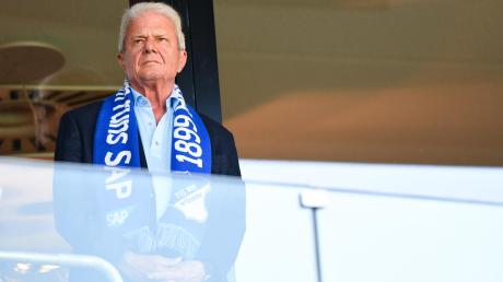 Wenn Männer viel Geld haben, investieren sie es gerne in ihre oft größte Leidenschaft, den Fußball. Dietmar Hopp ist durch SAP zum Milliardär geworden und hat die TSG Hoffenheim groß gemacht.